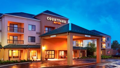 Courtyard Cleveland Airport North
