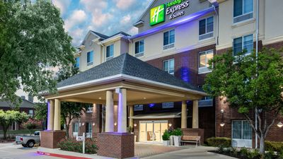 Holiday Inn Express & Suites Dallas