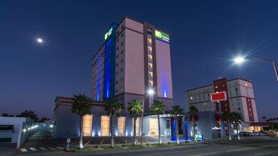 Holiday Inn Express/Suites Ciudad Obrego