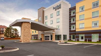 Fairfield Inn & Suites Waterfront