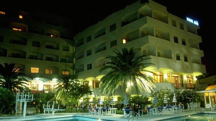 Grand Hotel Don Juan Exterior