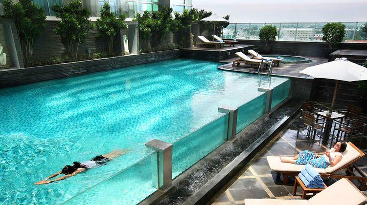 Grand Swiss-Belhotel Medan Pool