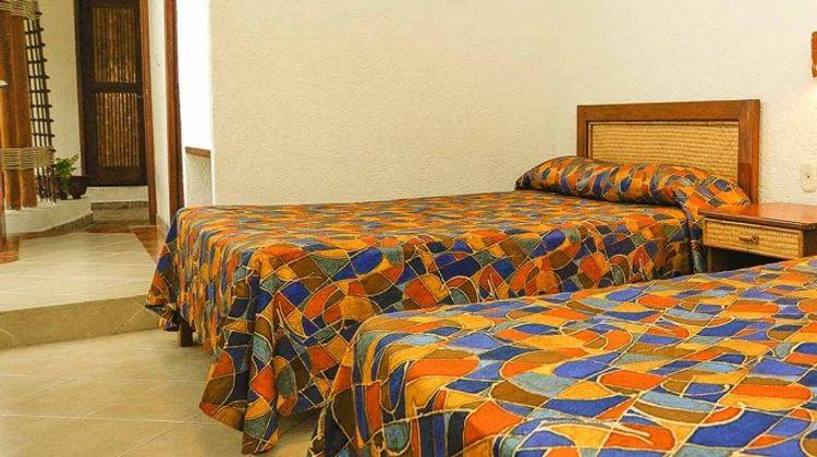 LH Suites Ixtapa Plaza Room