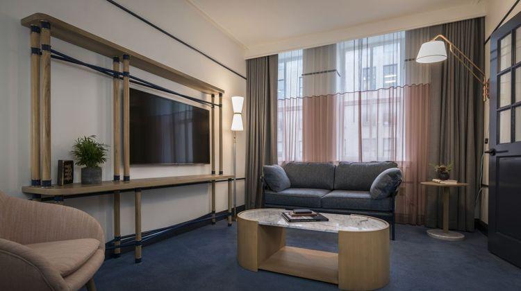 Hu. Hotel, Memphis Suite