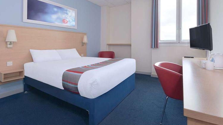 Travelodge Halifax Room