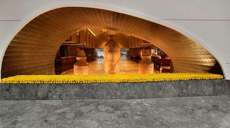 The LaLiT Great Eastern Kolkata Lobby