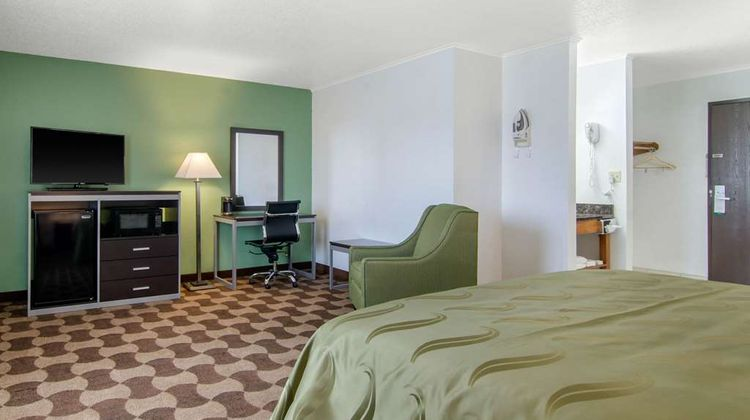 Quality Inn Russell, KS Suite