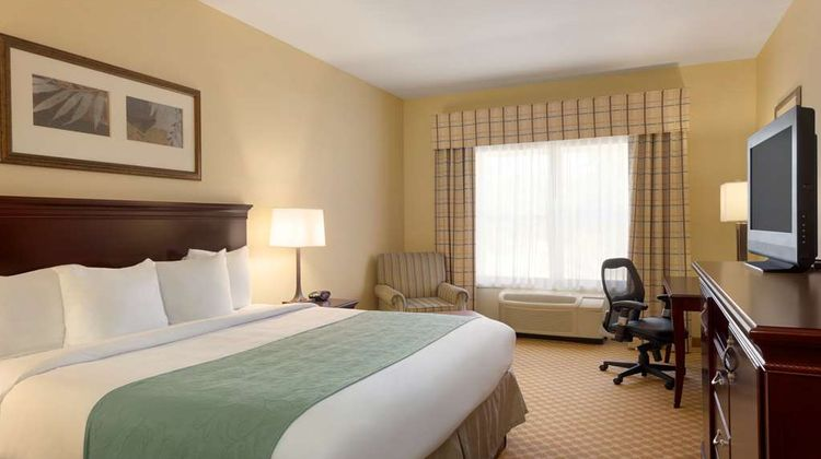 Country Inn & Suites Pineville Room
