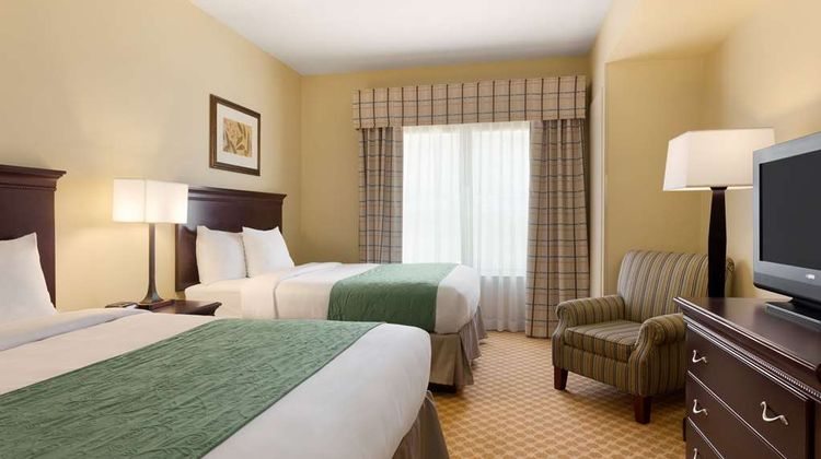 Country Inn & Suites Pineville Suite