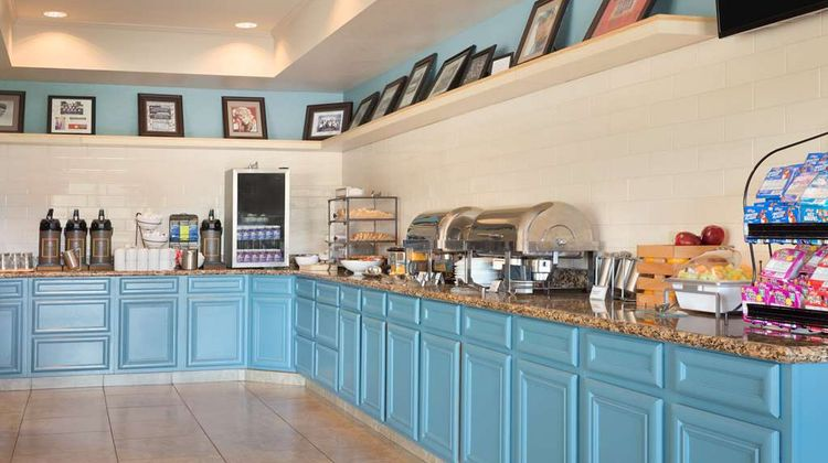 Country Inn & Suites Pineville Restaurant