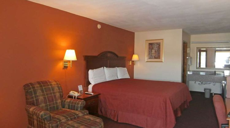 Americas Best Value Inn, Cartersville Room
