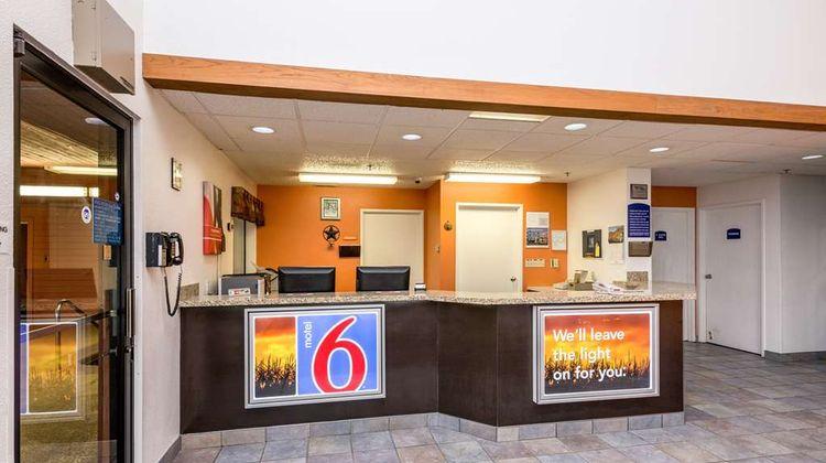Motel 6 Waterloo Lobby