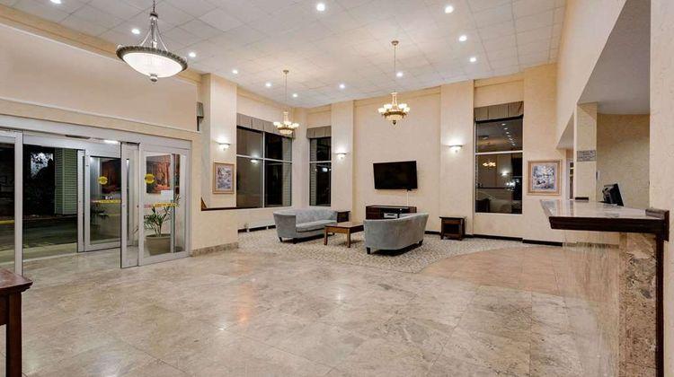 Ramada Cleveland Airport West Lobby