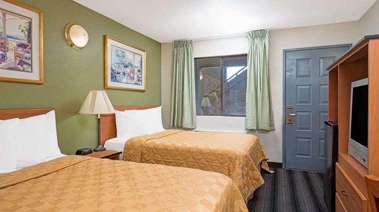 Travelodge Sacramento / Rancho Cordova Room