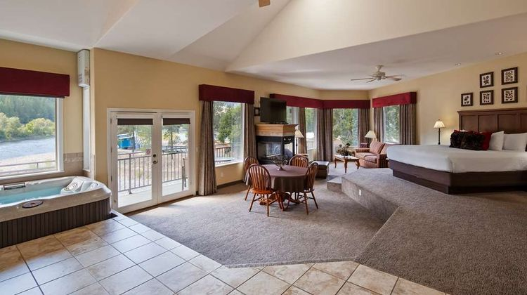 Best Western Lodge at River's Edge Suite