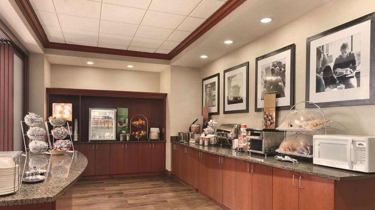 Hampton Inn & Suites Mystic Restaurant