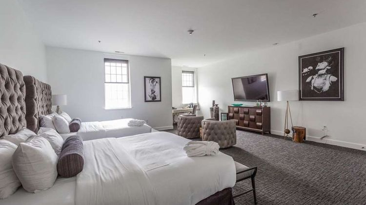 The Delafield Hotel Room
