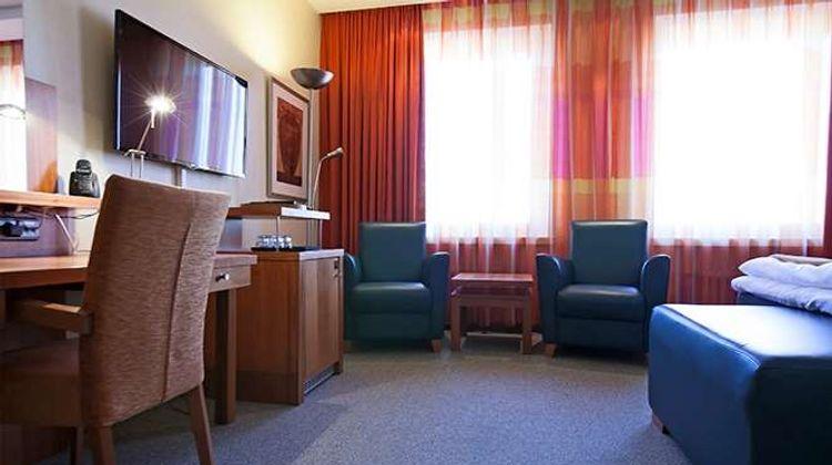 Hotel Oscar Room