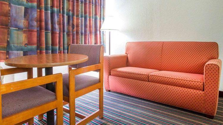 Rodeway Inn Stone Mountain Room