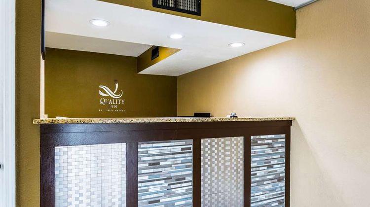 Quality Inn Indianola Lobby
