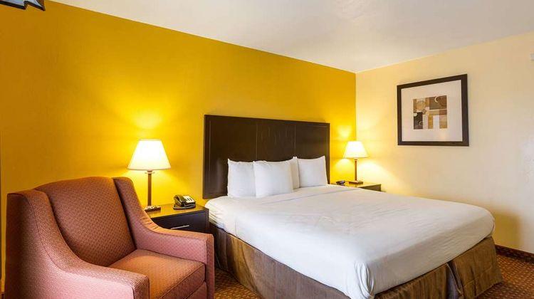 Quality Inn Indianola Room