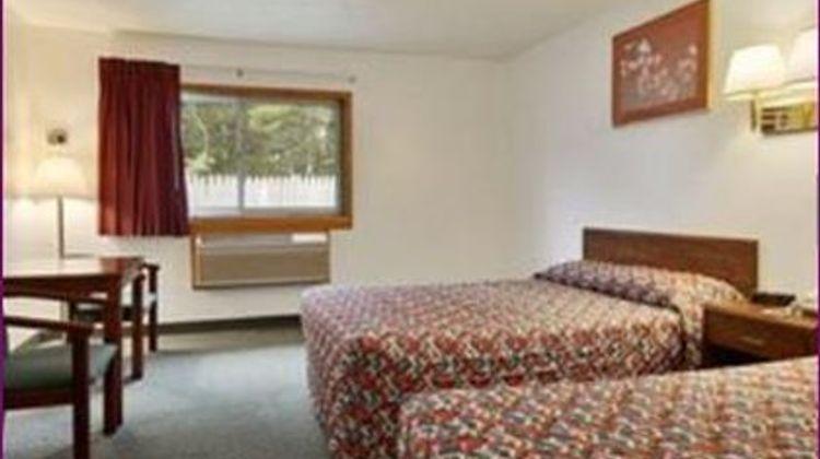 Cadillac Inn Room