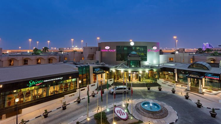 Crowne Plaza Bahrain Exterior
