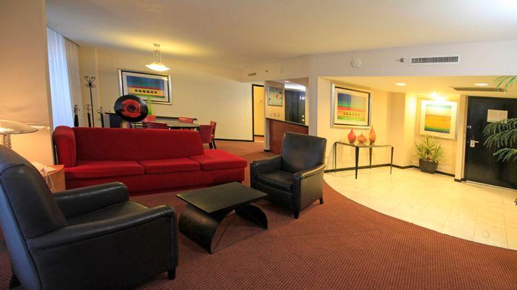 Holiday Inn Monterrey Parque Fundidora Suite
