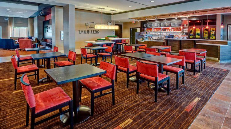 Courtyard Westbury Long Island Restaurant
