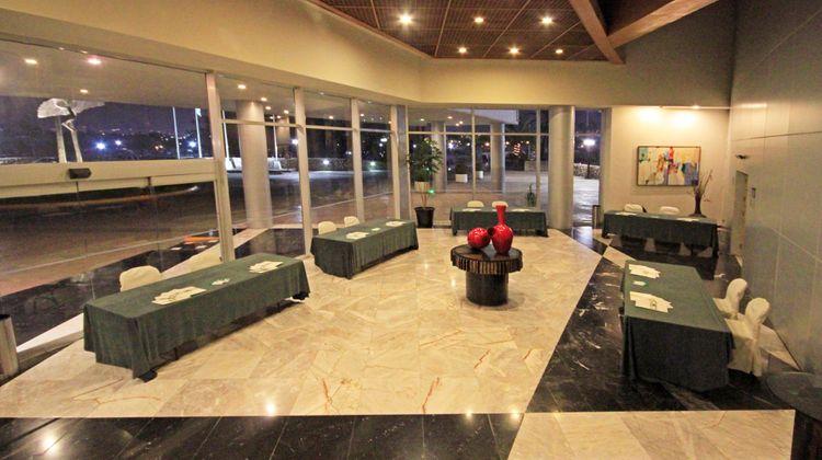 Holiday Inn Monterrey Parque Fundidora Exterior