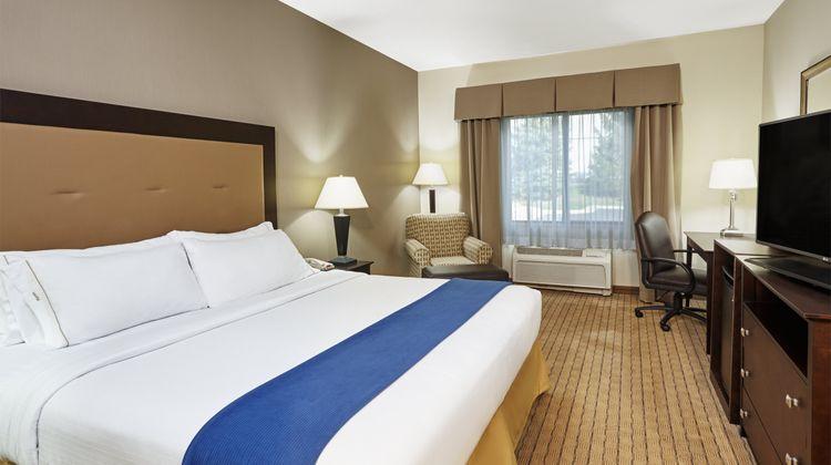 Holiday Inn Express Madison-Verona Room