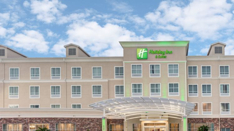 Holiday Inn & Suites Lafayette North Exterior