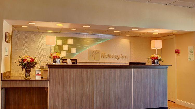 Holiday Inn Danbury Lobby