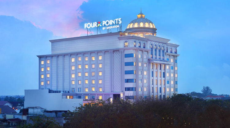 Four Points by Sheraton Medan Exterior