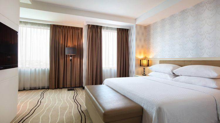 Four Points by Sheraton Medan Suite