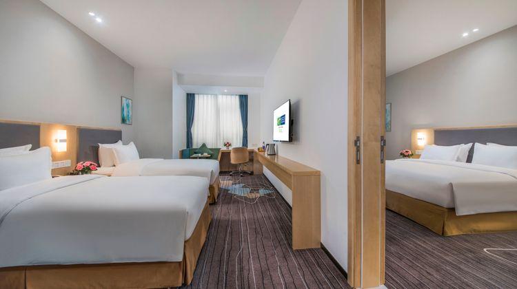 Holiday Inn Express Yantai YEDA Room