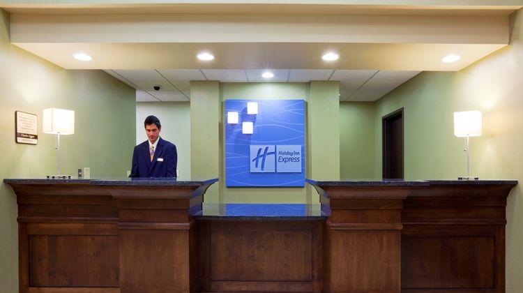 Holiday Inn Express Madison-Verona Lobby