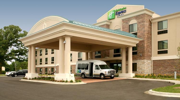 Holiday Inn Express Madison-Verona Exterior