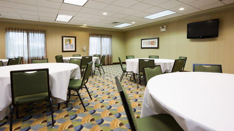Holiday Inn Express Madison-Verona Meeting