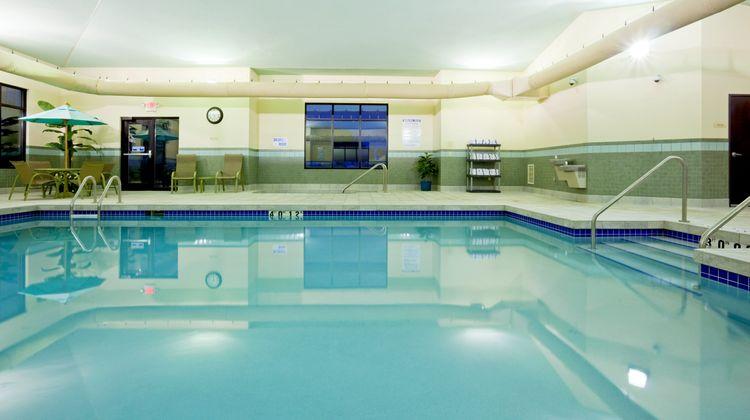 Holiday Inn Express Madison-Verona Pool