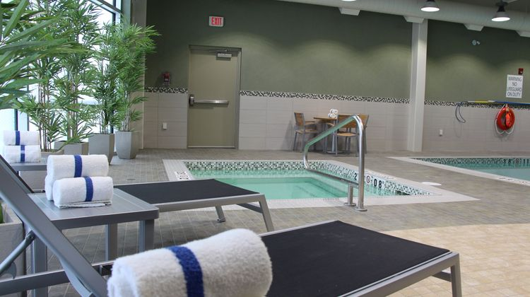 Holiday Inn Express & Suites Cold Lake Pool