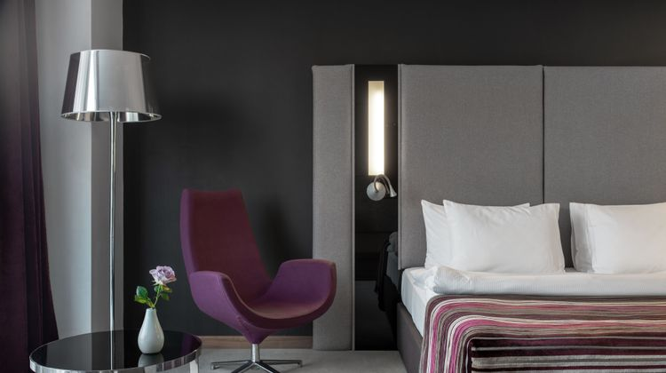 11 Mirrors, a Member of Design Hotels Room