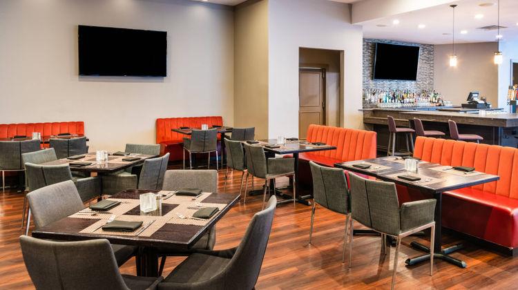 Delta Hotels Detroit Metro Airport Restaurant