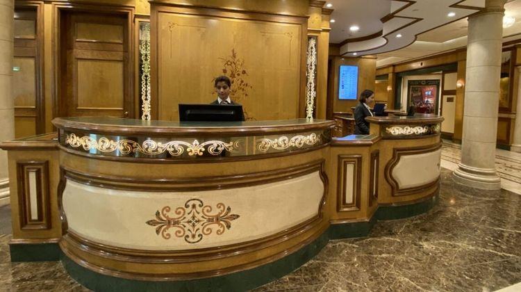 Crowne Plaza Bahrain Lobby