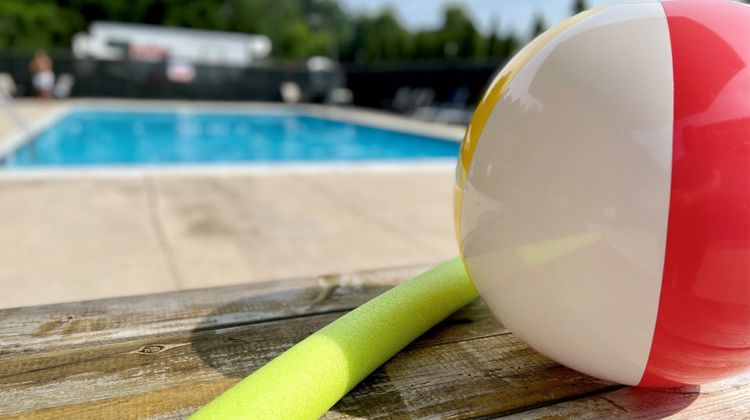 Holiday Inn Danbury Pool