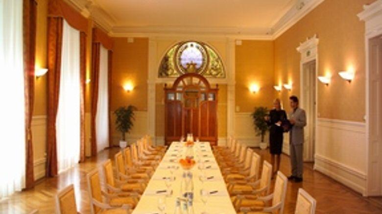 Golf Rene Capt Hotel Banquet