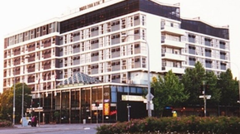 Hotel Adelaide International Exterior