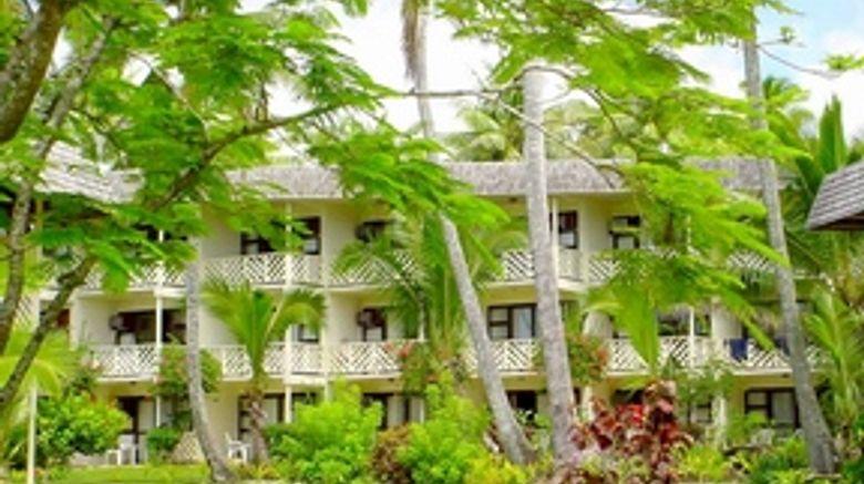 Edgewater Resort  and  Spa Exterior