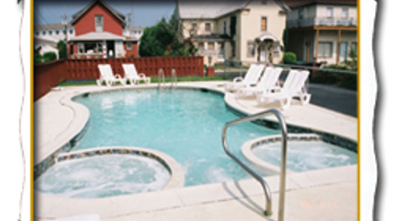 Lighthouse Inn Pool