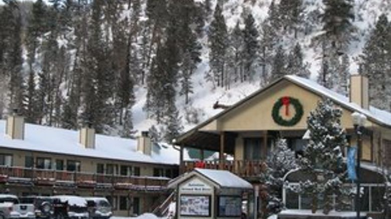 Ponderosa Lodge Exterior